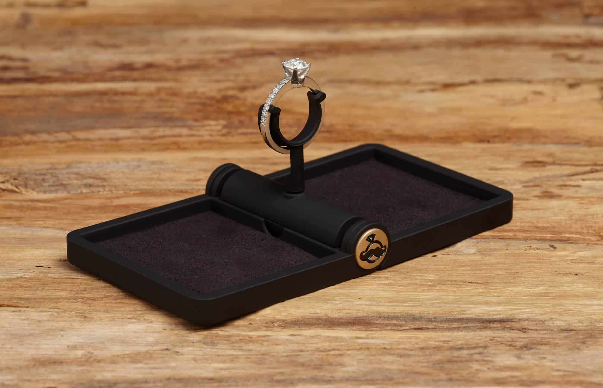 ring-stash-slim-ring-box-open-1