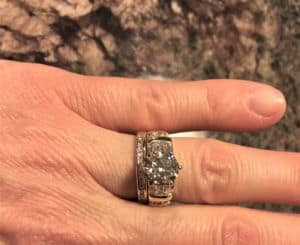 Q&A: Choosing a Round Diamond for a Yellow Gold Side Stone Ring With $13k Budget