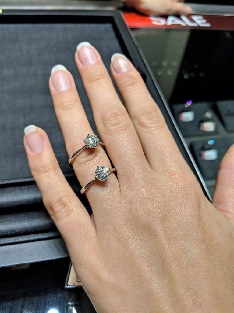diamond-rings-at-chow-tai-fook-macau