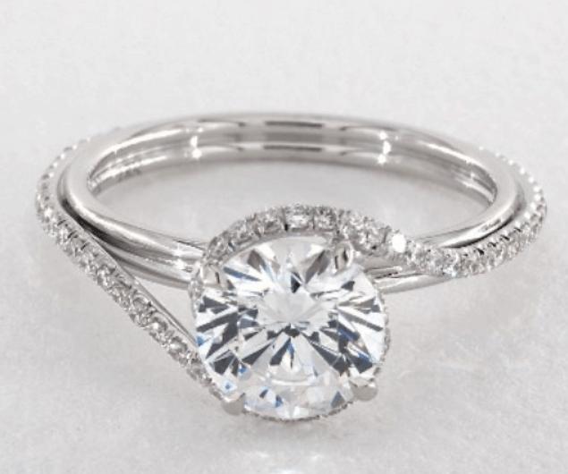 Danhov Abbraccio ring setting