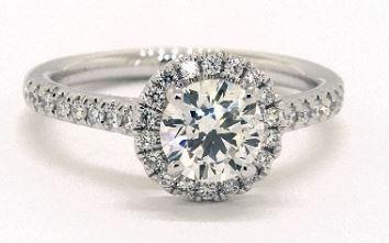 Eye-clean VS Diamond Ring from James Allen