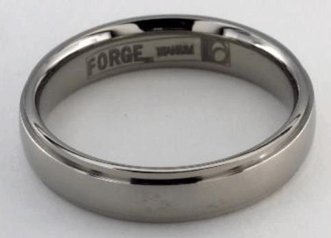 Titanium 5mm Comfort-Fit Stepped Edge Design Men's Ring